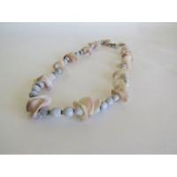 Halsband av frön och snäckor från Madagaskar. Fair Trade.
