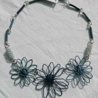 Daisy Blues Short Necklace. Fair Trade. Sydafrika.