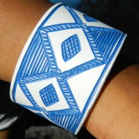 Epatek PVC Bangle Blue Jewels. Från Namibia. Fair Trade.