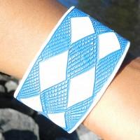 Epatek PVC Bangle Blue Squares. Fair Trade från Namibia.