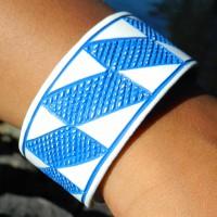Epatek PVC Bangle Blue Chain. Fair Trade från Namibia.